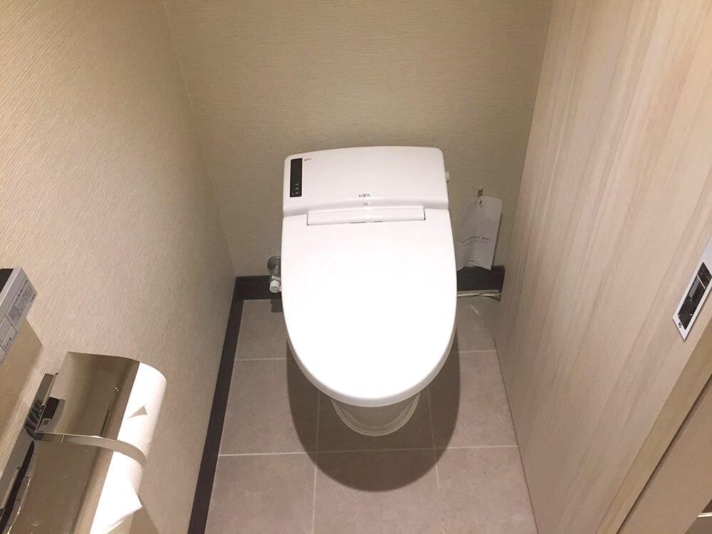 沖繩北谷希爾頓逸林度假酒店 DoubleTree by Hilton Okinawa Chatan Resort - 標準雙人房 座廁