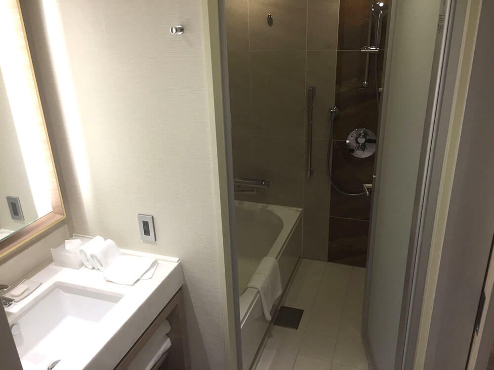 沖繩北谷希爾頓逸林度假酒店 DoubleTree by Hilton Okinawa Chatan Resort - 標準雙人房 浴室