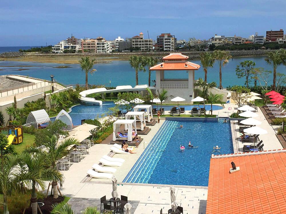 沖繩北谷希爾頓逸林度假酒店 DoubleTree by Hilton Okinawa Chatan Resort - 泳池