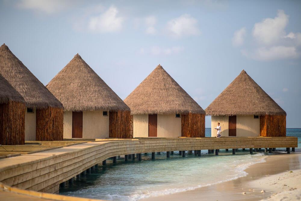 AVI水療中心設有六棟水上護理別墅